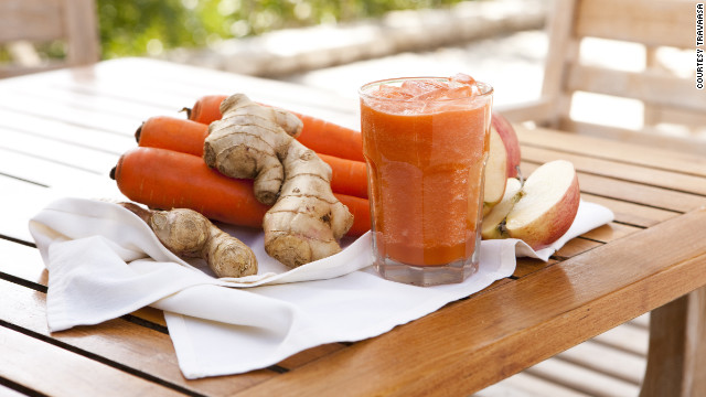"""Travaasa """"experiential"""" resorts offer a class in pressing fresh juice at properties in Austin, Texas and Maui."""