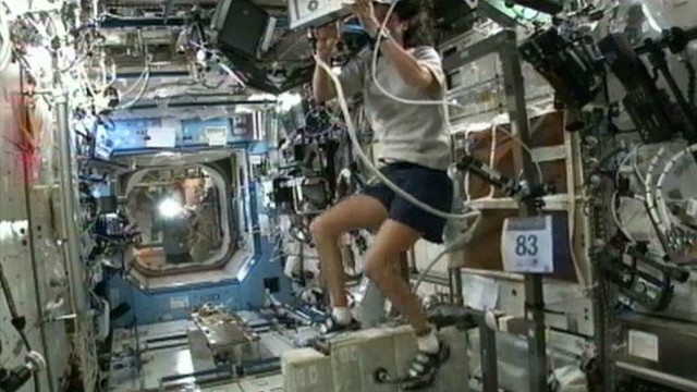Watch astronaut finish triathlon in space