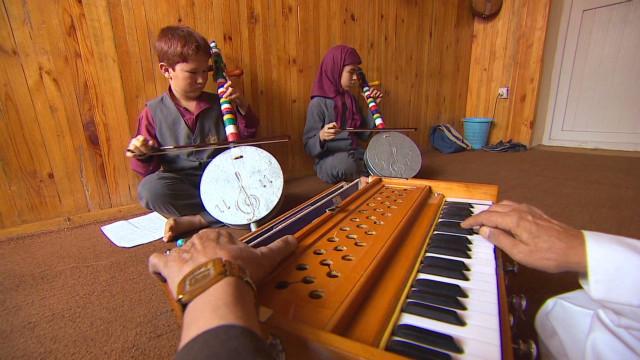 Music healing Afghan war wounds