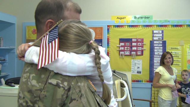 soldier surprises daughter maine_00005512