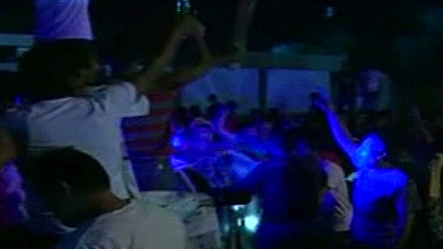 wr libyans storm militia hq damon beeper_00011401