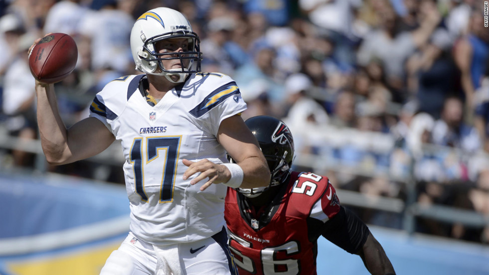 Chargers quarterback Philip Rivers sets up to throw.