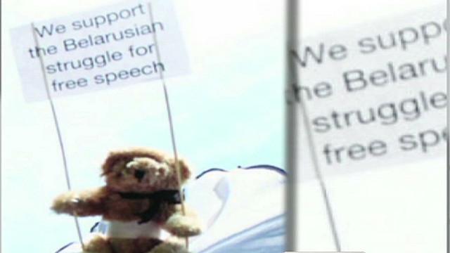 nc activist releases teddy bears over belarus_00014829