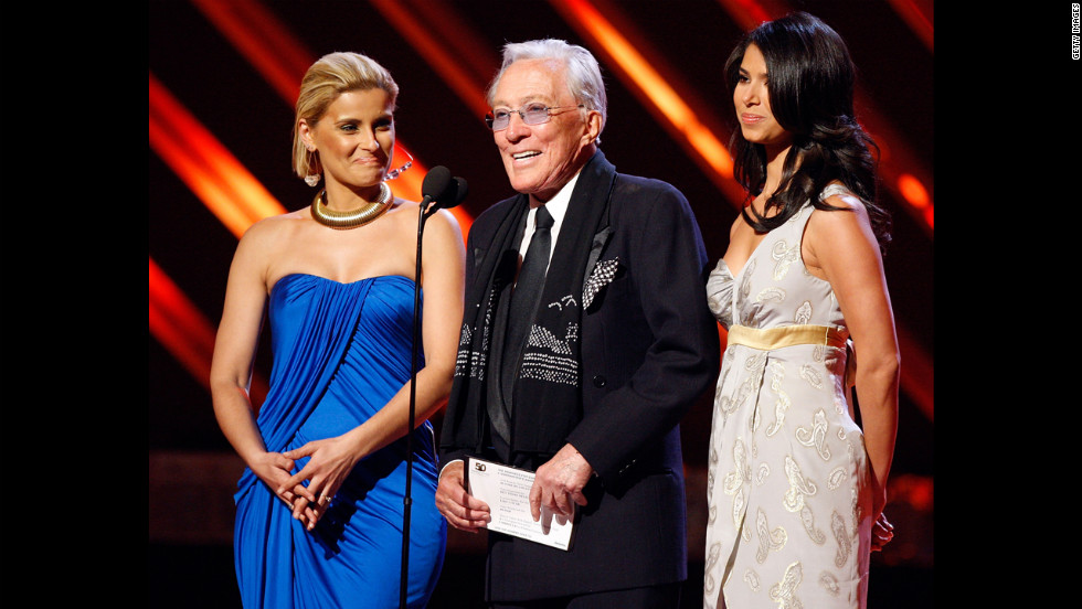 Williams appears with Nelly Furtado, left, and Roselyn Sanchez during the Grammys in 2008.