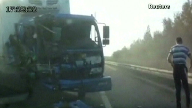 early lucky trucker thrown from accident_00000715