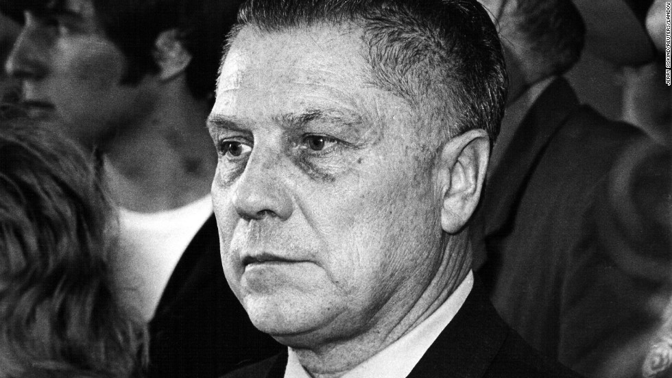 jimmy hoffa and the teamsters Jimmy hoffa's most valuable contribution to the american labor movement came  at  he began using the teamsters to provide his new allies with a facade of.