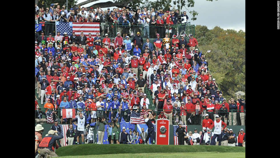 Team Europe's Luke Donald tees off from the first hole Sunday.