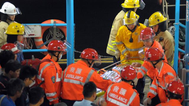 Boats crash, dozens dead in Hong Kong
