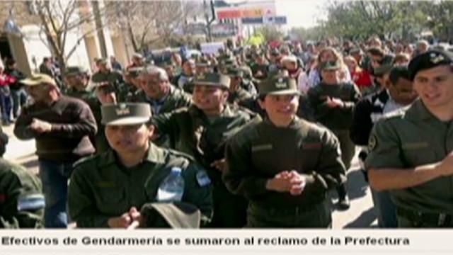 fontana argentina protest_00030302