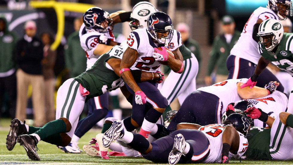 Arian Foster runs the ball against the New York Jets.