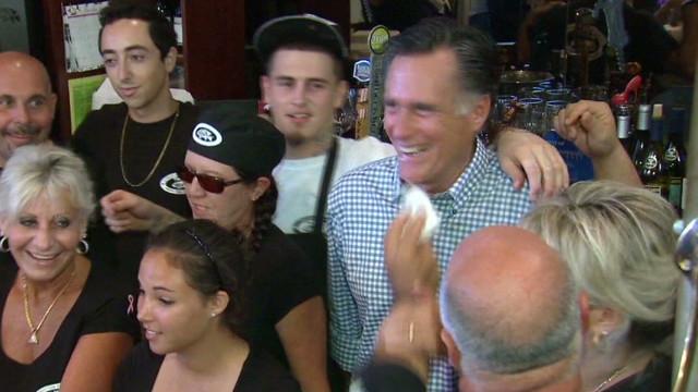 TSR pkg Moos Romney face wiper_00002208