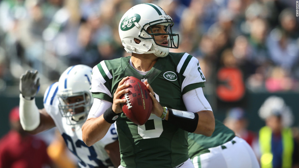 Jets quarterback Mark Sanchez looks to pass against the Colts.