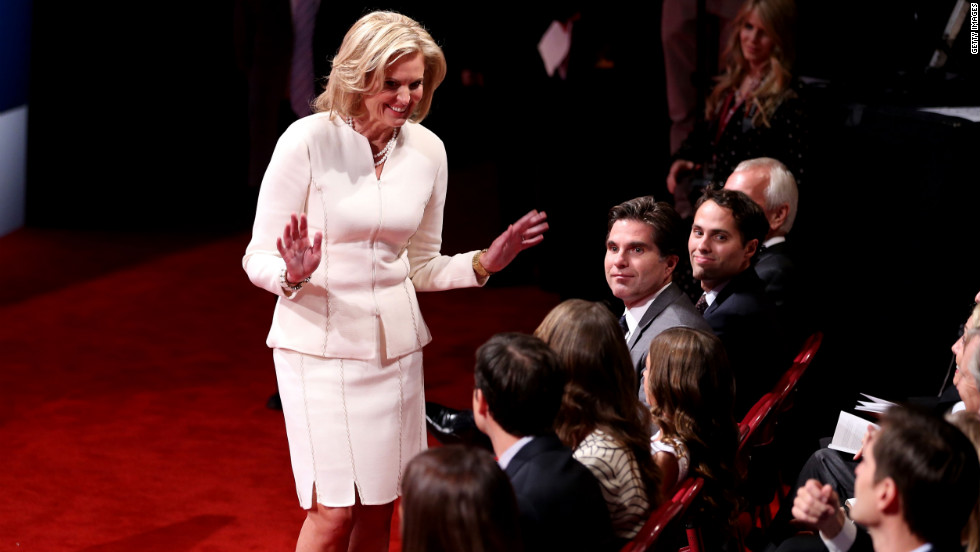 "For the first debate, Ann Romney opted for an all-ivory skirt suit that ""references a fresh, new outlook"" said color theory professor Emily Barnett."