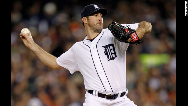 DETROIT, MI - OCTOBER 16:  Justin Verlander #35 of the Detroit Tigers throws a pitch against the New York Yankees during game three of the American League Championship Series at Comerica Park on October 16, 2012 in Detroit, Michigan.  (Photo by Gregory Shamus/Getty Images)