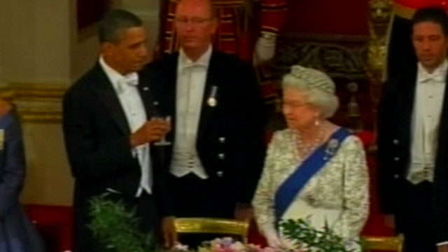 vault obama toasts queen debacle_00003219