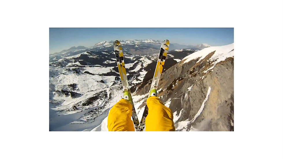 An avalanche cliff jump filmed by Matthias Giraud.