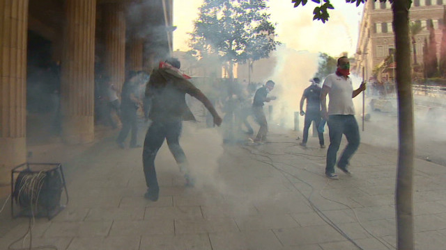 Beirut protesters demand new government