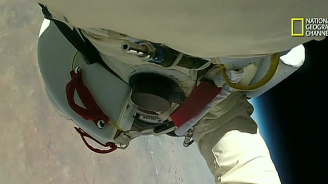 BAUMGARTNER'S FALL FROM SPACE!_00013526