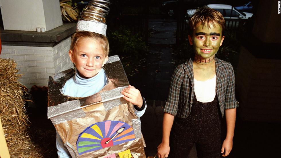 httpwwwrealsimplecomholidays entertainingholidays - Homemade Halloween Ideas