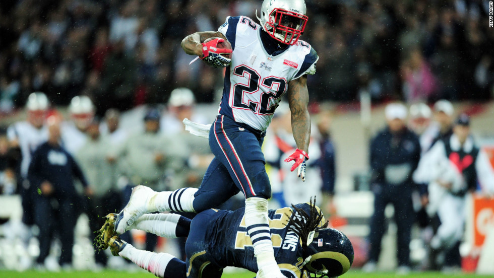 The Patriots surpassed 350 yards of total offense for the 17th consecutive game, breaking an NFL record set by St. Louis in 1999 and 2000. New England lead the AFC East division with five wins and three losses, while the Rams have the reverse record in NFC West.