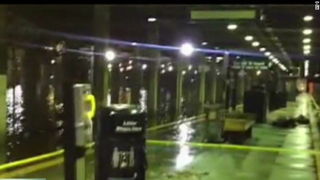 Sandy floods New York City subways