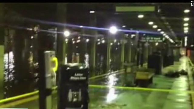 Sandy floods New York City subways