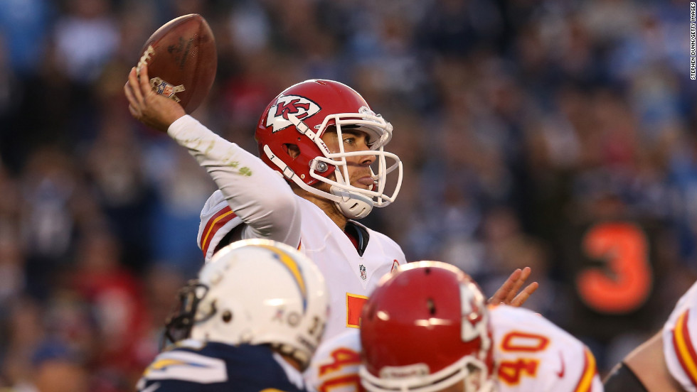 Quarterback Matt Cassel of the Chiefs throws a pass against the Chargers.