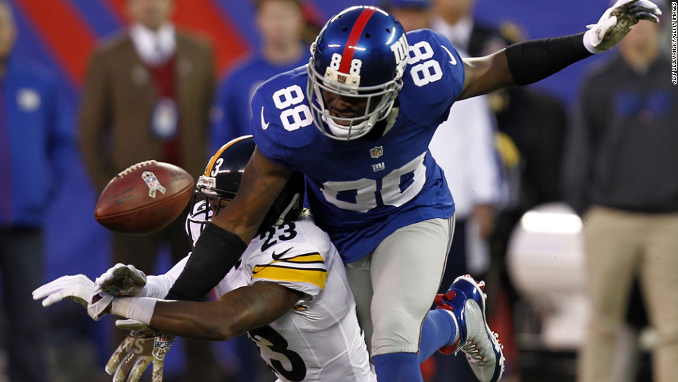 Keenan Lewis of the Pittsburgh Steelers breaks up a pass intended for Hakeem Nicks of the New York Giants on Sunday, November 4, at MetLife Stadium in East Rutherford, New Jersey.