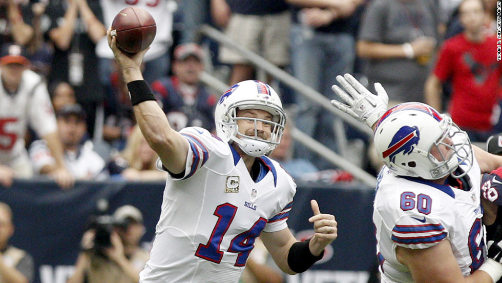 Bills quarterback Ryan Fitzpatrick passes the ball against the Texans.