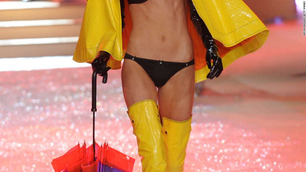 vs fashion show 2012 Cameron Russell