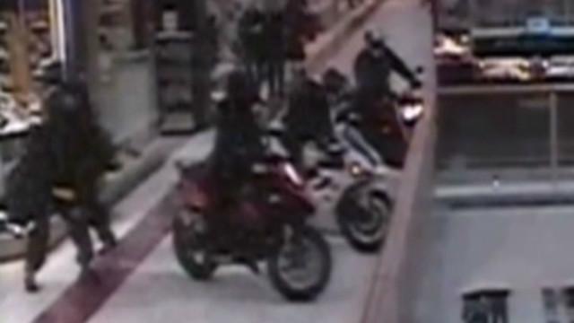 tsr pkg moos daring motorcycle heist_00003428