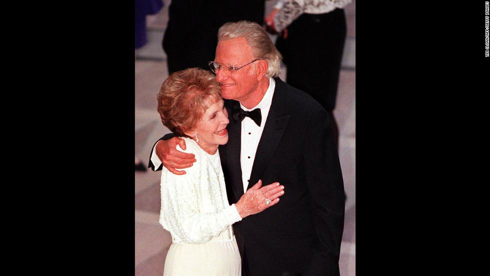 Former U.S. first lady Nancy Reagan greets Graham at the gala dedication of the Ronald Reagan Building and International Trade Center in Washington on May 5, 1998.