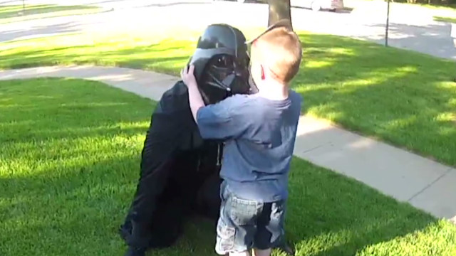 darth vader navy dad surprises son_00004017