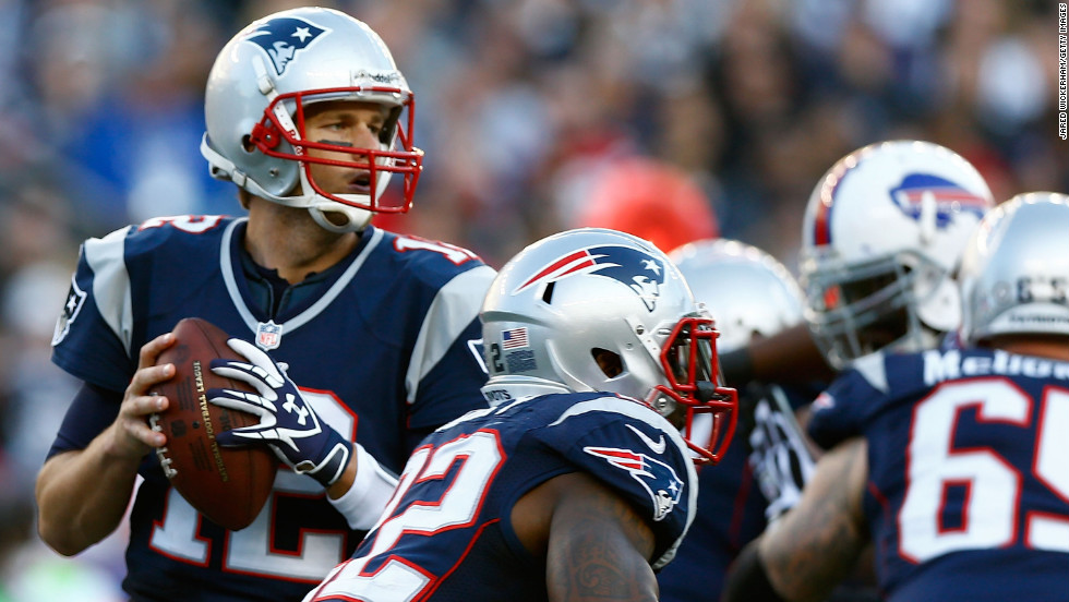 Tom Brady of the Patriots drops back to pass against the Buffalo Bills on Sunday.