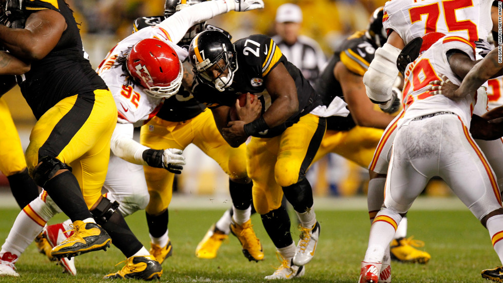 Jonathan Dwyer of the Pittsburgh Steelers runs the ball against the Kansas City Chiefs.