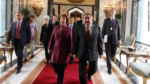 British EU official Catherine Ashton, front left, walks with Iraq's Hoshyar Zebari to talks between the P5+1 and Iran.