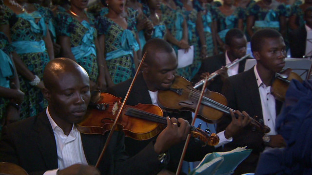 Kinshasa violin performance