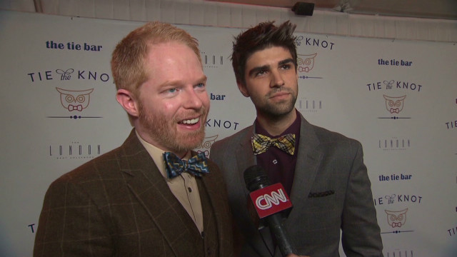 entertainment jesse tyler ferguson tie the knot_00003216