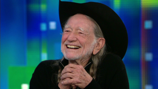 pmt willie nelson smoking marijuana snoop dog_00011917