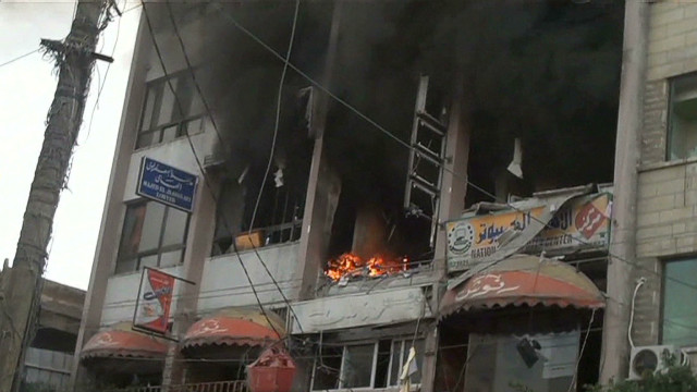 Rockets slam into Gaza building