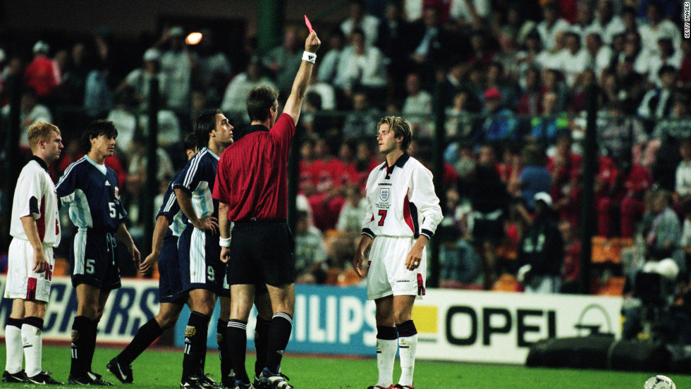 At the 1998 World Cup, in a second-round match against Argentina, Beckham was sent off for kicking out at Diego Simeone. England lost the match on penalties and was eliminated, with Beckham becoming a hate figure for some fans.