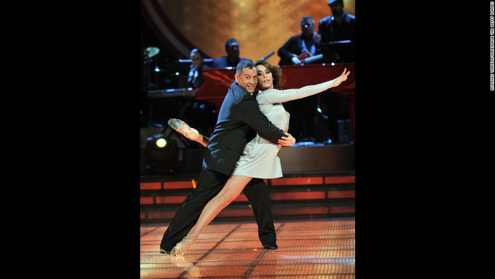 "Camacho dances during the grand finale of Univision's ""Mira Quien Baila"" in Miami on November 21, 2010."