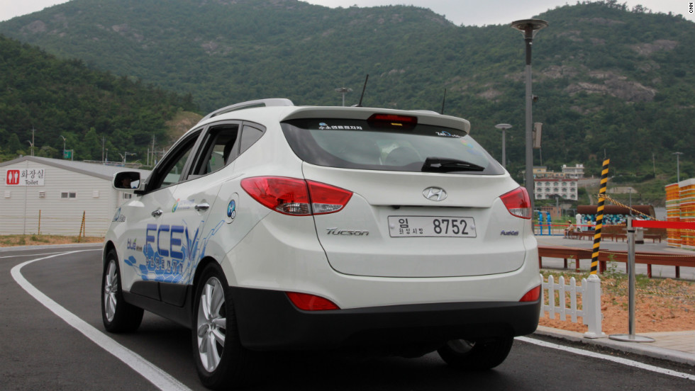 The Hyundai ix35 powered by a hydrogen fuel-cell is put through its paces at the Yeosu World Expo 2012 earlier this year.  The company plans to make 1,000 fuel cell cars by 2015.