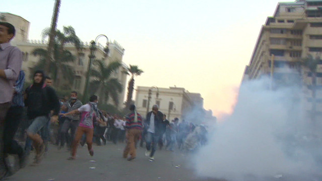Clashes and anguish near Tahrir Square