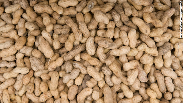 Kellogg recalls snacks in peanut scare