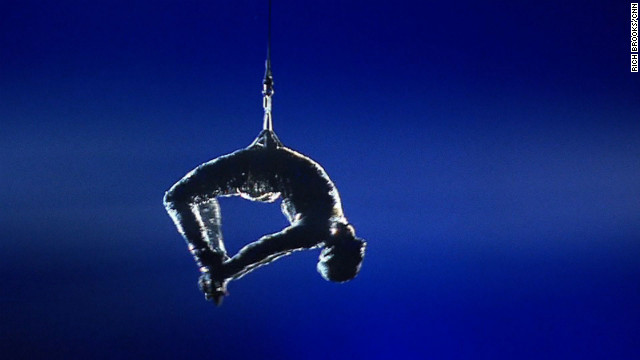 Former drug addict becomes Cirque star
