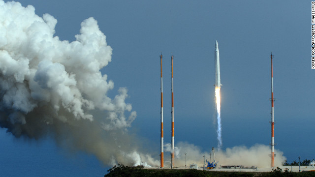 The Naro-1 blasts off on June 10, 2010, in a second failed attempt by South Korea to put a satellite in space.