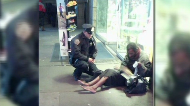 NYC cop's act of kindness goes viral