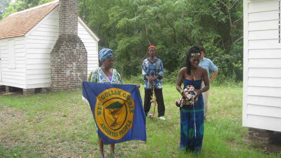 Queen Quet (right) was chosen to represent the Gullah/Geechee nation in 2000.