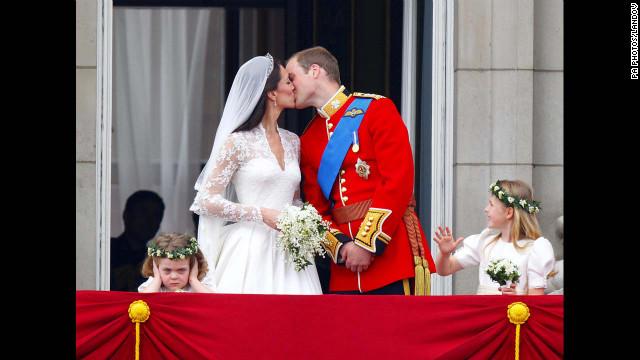 2011: Prince kisses new bride ... twice